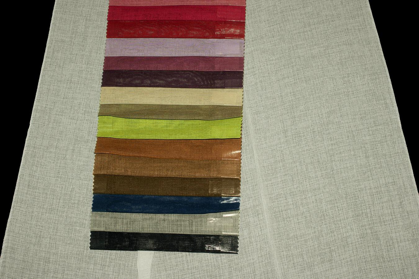 Záclona Mira 300 cm s olůvkem 073 černá